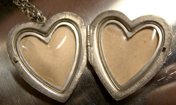HAND ENGRAVED STERLING HEART LOCKET on CHAIN c1930s