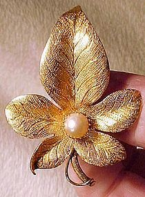 19thC HAND MADE 14K LEAF & LARGE PEARL BROOCH