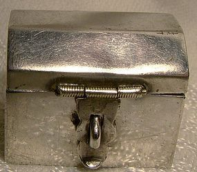 MEXICAN STERLING TRUNK SHAPED PILLBOX 1980
