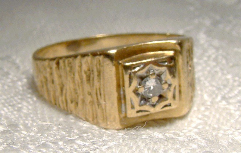Man's 10K Yellow Gold Diamond Sculpted Ring 1960s - Size 9-1/2