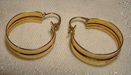 10K Yellow Gold Classic Style Hoop Earrings 1980s - Plain and Simple