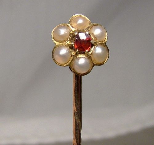 19thC 15K Garnet Pearls Stickpin Cravat or Tie Pin in Case