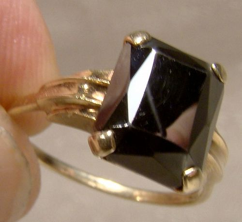 10K Black Alaskan Diamond Hematite Ring 1950s - Size 6-1/4