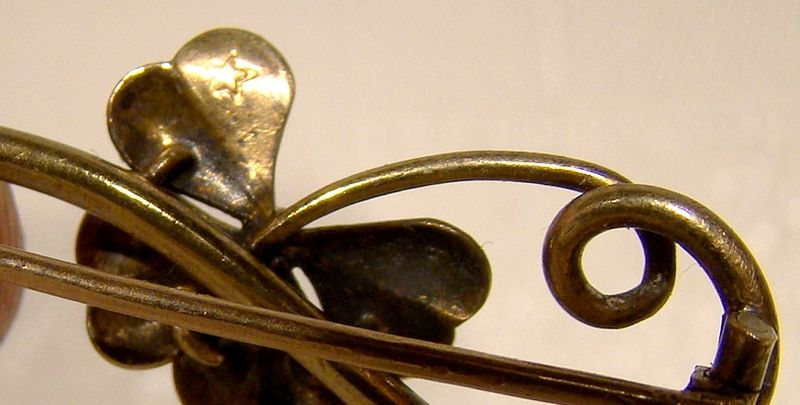 Edwardian or Late Victorian 15K Yellow Gold 4 Leaf Clover Brooch Pin