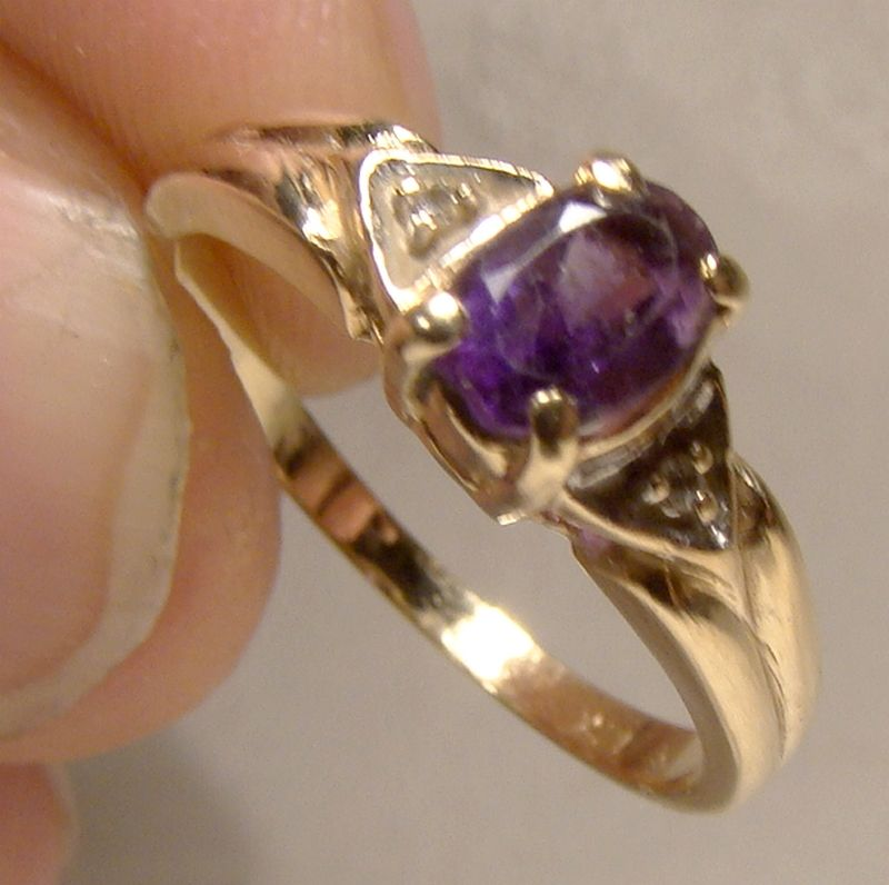 10K Yellow Gold Amethyst and Diamonds Ring 1980s - Size 6
