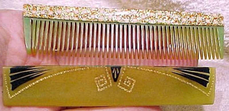 Great ART DECO CELLULOID POCKET COMB with SLEEVE c1920s