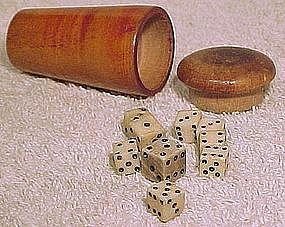 Early 19thC TURNED WOOD GAMING DICE CUP with 9 DIE