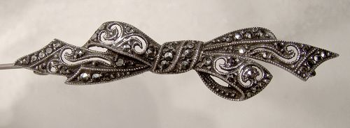 1920s MARCASITE STERLING OPENWORK BOW PIN
