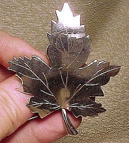English Sterling MAPLE LEAF BROOCH - London 1971