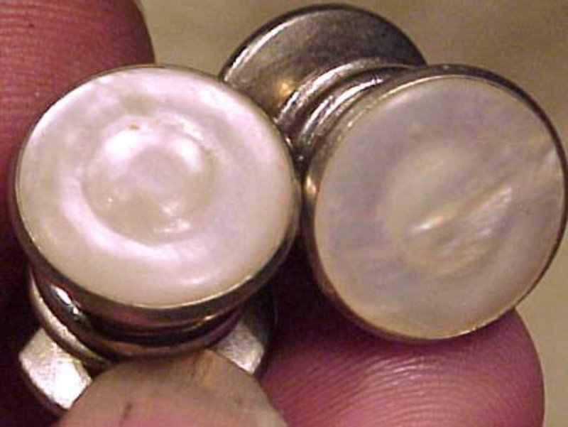 MOTHER OF PEARL SNAP-LINK CUFFLINKS c1920