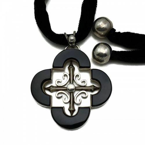 Antonio Pineda 970 Silver Onyx Quatrefoil Taxco Mexican Necklace