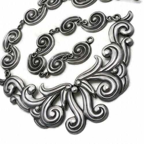 Early Los Castillo #366 Taxco Repoussé Sterling Silver Necklace
