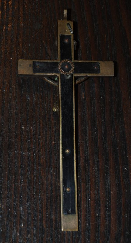 Ancient Catholic ~ CRUCIFIX ~ w/  Skull and Cross Bones