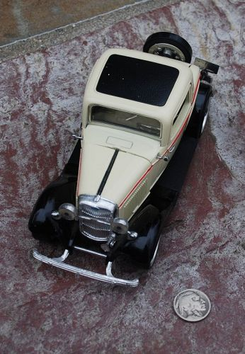 1932 FORD ~ 3-Window COUPE ~ SS7722 ~ 1:30 Diecast Toy CAR