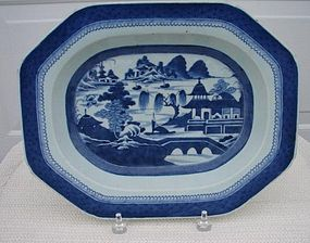 C. 1840 CHINESE EXPORT BLUE CANTON  DEEP DISH PLATTER