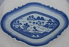 C. 1840 CHINESE EXPORT BLUE CANTON FOOTED FRUIT BOWL