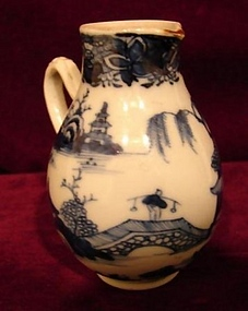 C. 1800 CHINESE EXPORT NANKING BLUE AND WHITE CREAMER