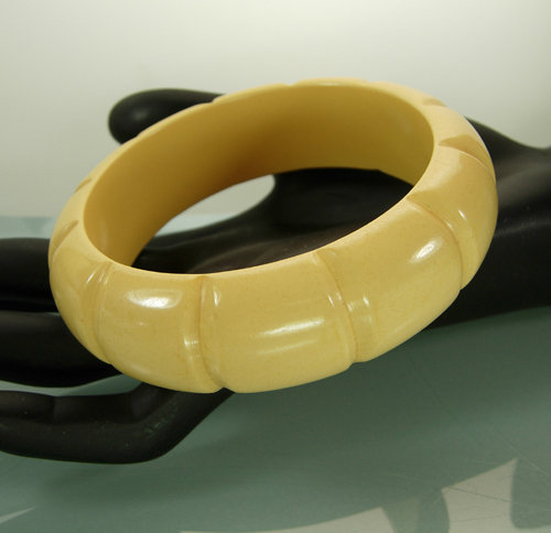 Creamy Faux Ivory Bamboo Form Carved Bakelite Bangle