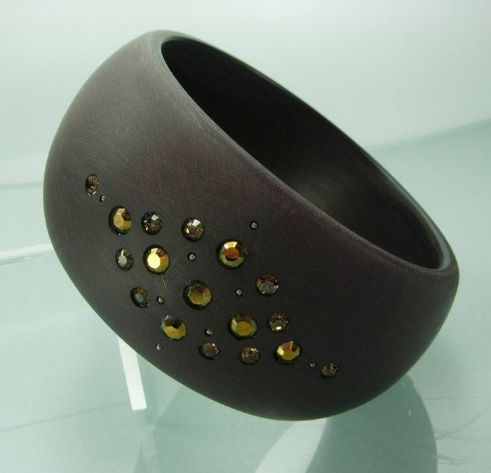 Cognac Brushed Resin Topaz Stones Wide Bangle Bracelet
