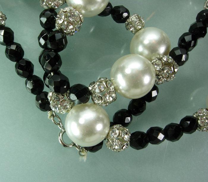 70s Statement Pearls Black Glass Strass 43 Inch Sautoir