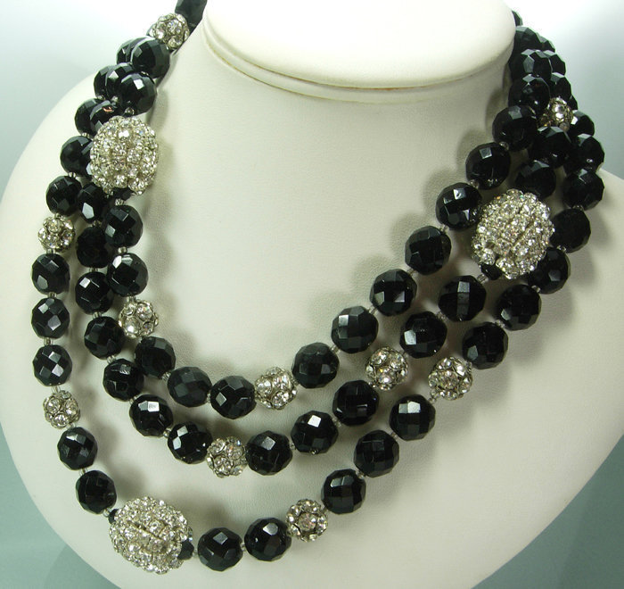 Couture 1970s French Black Glass Strass 60 Inch Sautoir