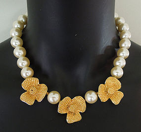 80s Valentino Faux Pearl Sculpted Flower Form Necklace