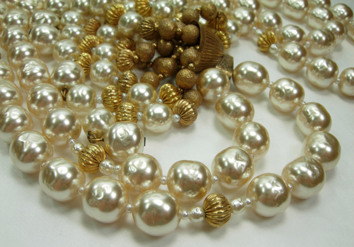 70s Signed Miriam Haskell Niki Pearls Tassel Necklace