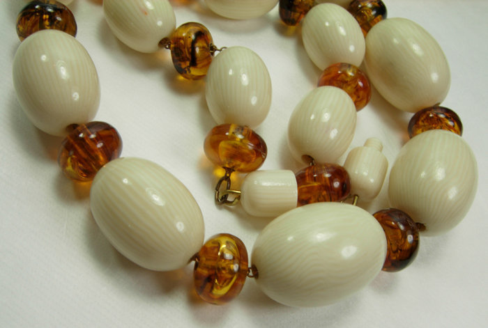 70s Safari Style Faux Ivory Amber Chain Strung Necklace