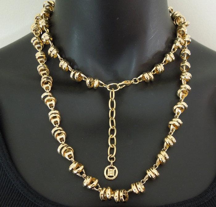 1970s Givenchy Necklace Sautoir Rings on Horsebit Chain