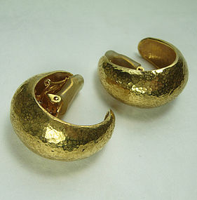 Jose & Maria Barrera Couture Etruscan Earrings Hammered Goldtone