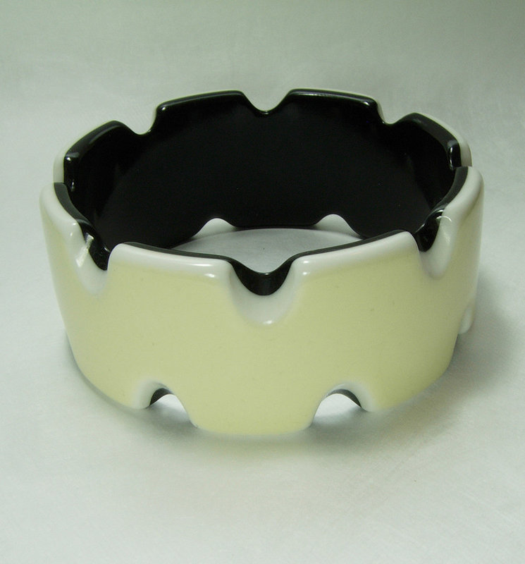 1970s French Laminated Lucite Bracelet Bangle Black White Cutouts