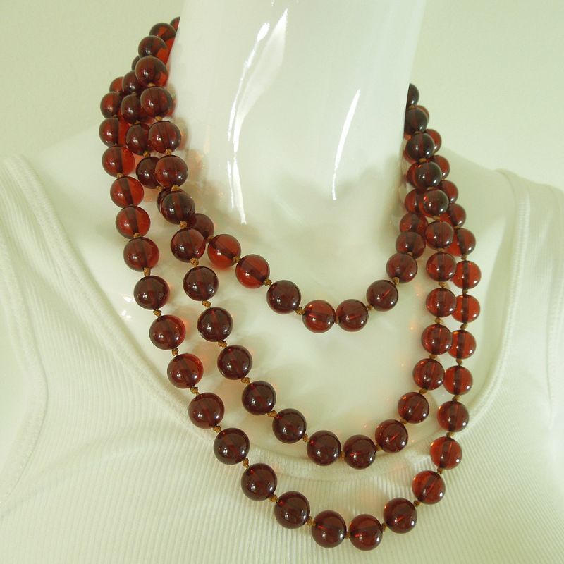 1920s Cherry Amber Bakelite Necklace 146 Grams 63 Inches Hand Knotted