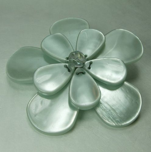 Pono Italy Couture Moonglow Lucite Glass Flower Form Brooch Statement