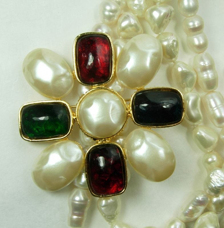 80s Valentino Big Brooch Gripoix Glass Stones on F'water Pearl Strands