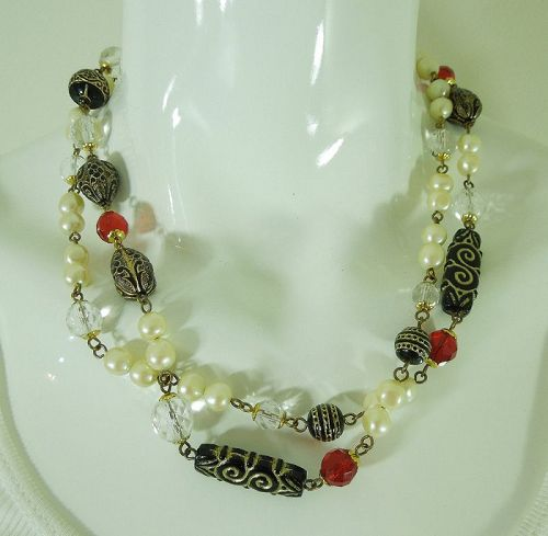 1980s French Wired Sautoir Necklace Glass Beads Faux Pearls Lucite