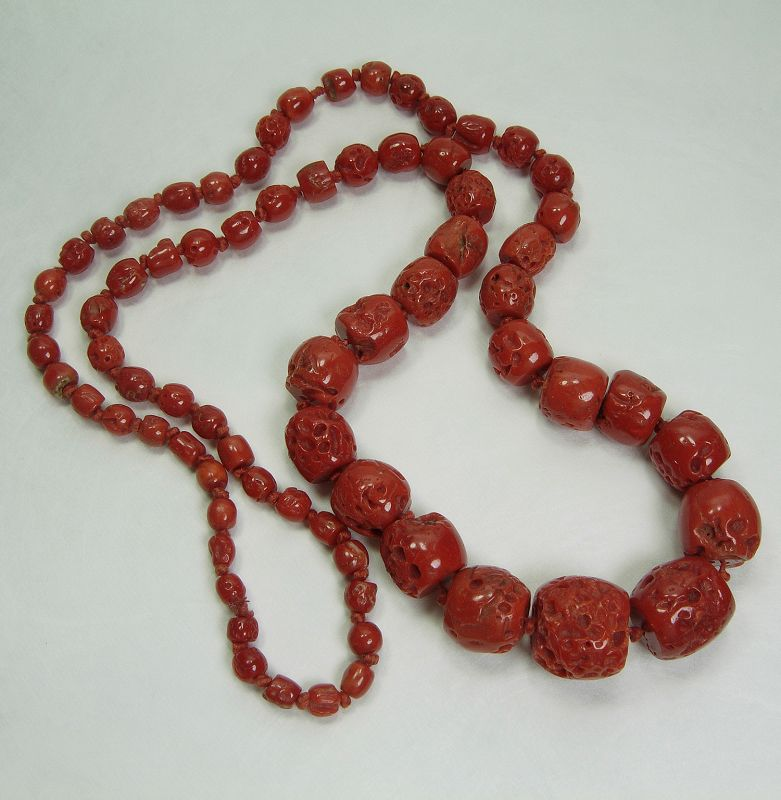 1970s Mediterranean Red Coral Necklace Large Graduated Barrel Beads