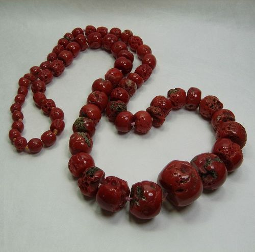 1970s Mediterranean Red Coral Necklace Very Big Graduated Barrel Beads
