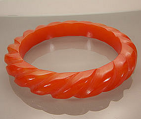 Marbled Tequila Sunrise Bakelite Rope Carved Bangle