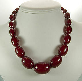 Chunky Smooth Cherry Amber Bakelite Beaded Necklace