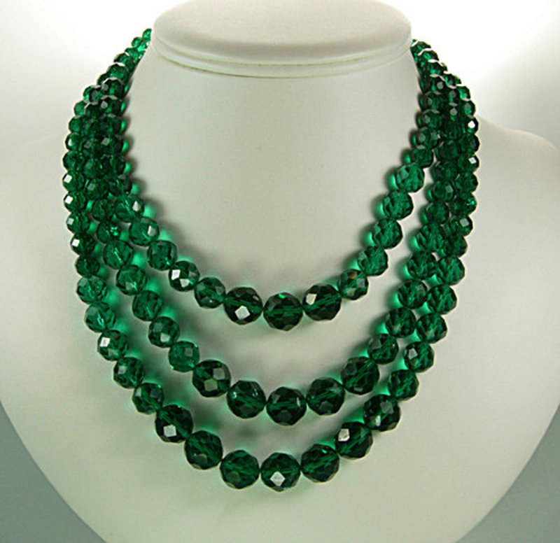 Glittering Green 1960s Glass Beaded Necklace: France