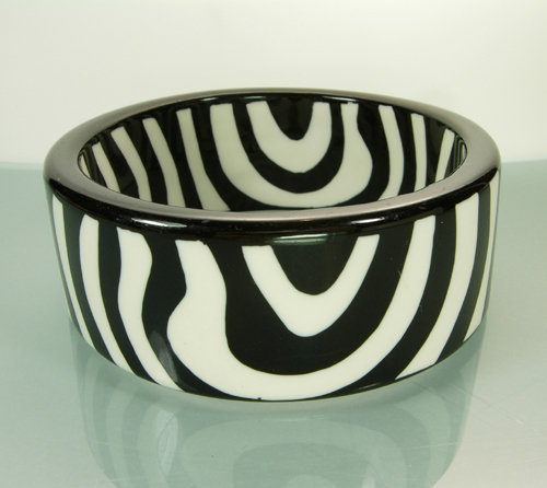 Fabulous 1970s Lacquered Lucite Zebra Pattern Bangle