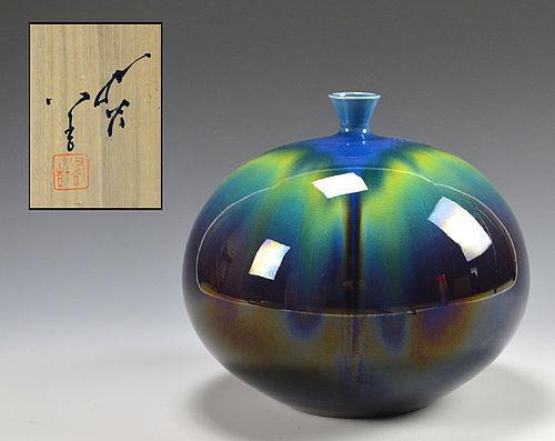 Tokuda Yasokichi III (Masahiko) Kutani Porcelain Vase
