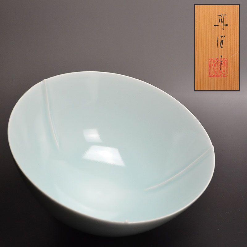 Fukami Sueharu 3-Ribbed Porcelain Bowl