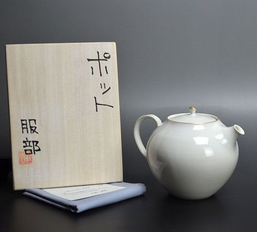Hattori Tatsuya Contemporary White Tea Pot
