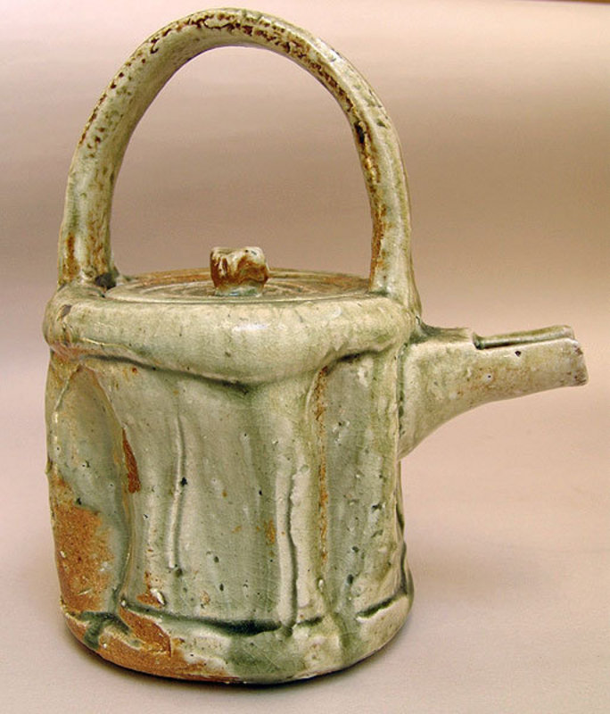 Iga Teapot by Atarashi Kanji
