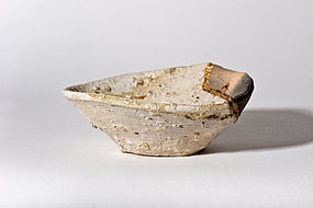 Yama chawan with aesthetic kintsugi gold repair - Heian