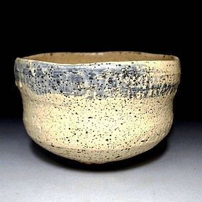 Wonderful Shino Tea Bowl - 19th century - with wood box
