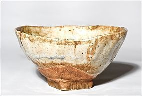 Japanese 19th cent. E-Seto Tebineri Chawan with kintsugi