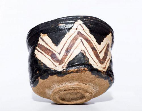 Kuro Oribe Chawan of early Edo Period