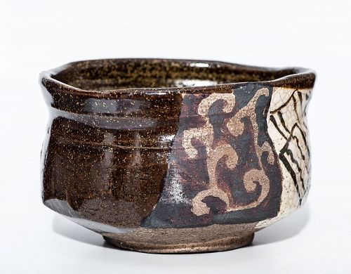 Splendid Kuro Oribe Chawan of early Edo Period